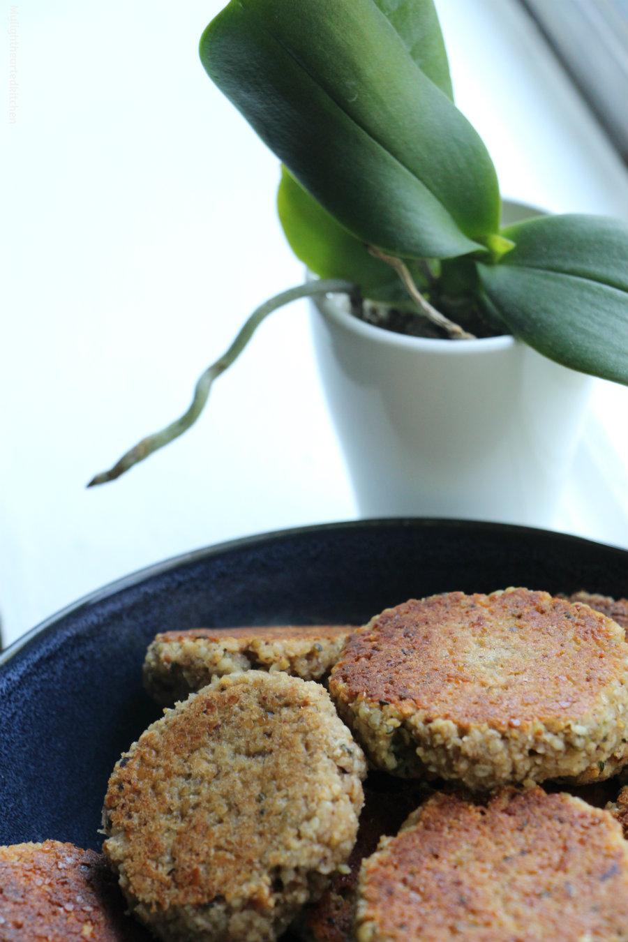 hazelnut-pear-oatmeal-cookies