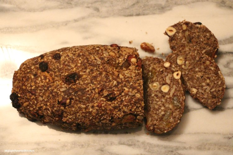 nut-bread2