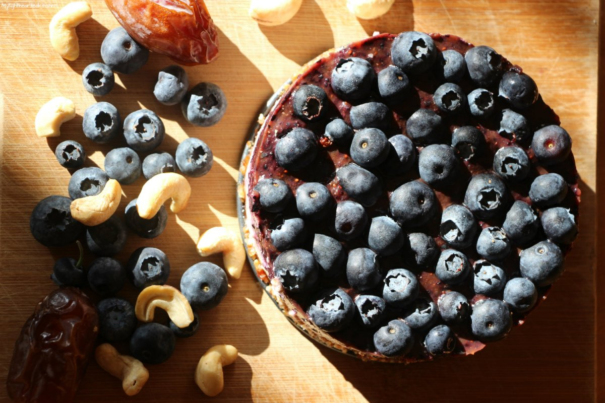 Blueberry Cheesecake - A raw vegan treat